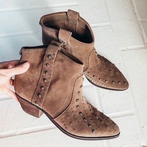 NWOT✨Sam Edelman Brown Studded Ankle Boots✨